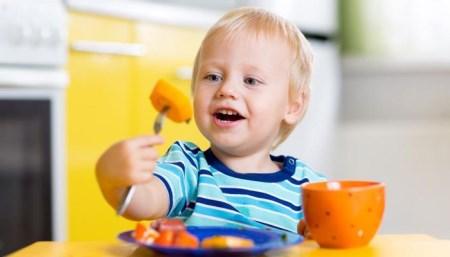 孩子辅食喂养要注意这些!有些做了会害孩子长不大