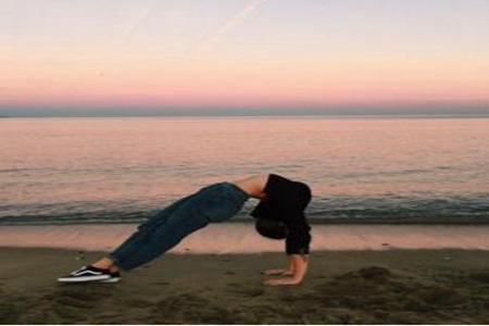 女生大腿为什么变粗可能是缺乏运动 让瑜伽拯救大粗腿