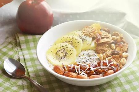 燕麦口感营养俱佳,女生健身减肥多吃它