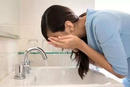 女人洗脸的9大误区,你踩雷了吗?(三)