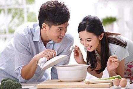 产后饮食补充注意事项!了解这些帮助妈妈更快恢复身体