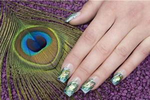 孔雀飞上指间,彩绘美甲教程让你美丽开屏