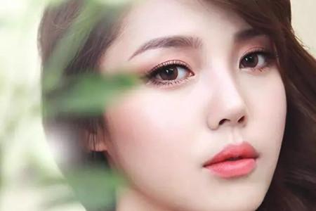 鼻上草莓影响美丽,女性