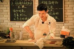 《中餐厅》晓明哥的大葱煎饼谁也吃不惯,但这其中的插曲让人温暖
