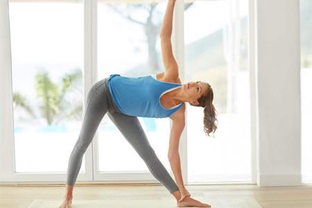 瑜伽保持青春容貌,让你的肌肤保持弹性