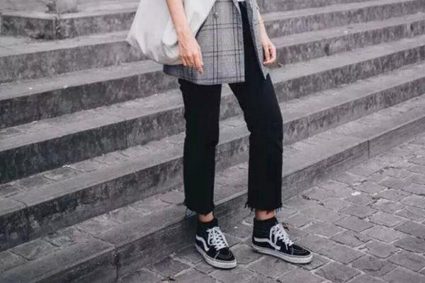 显瘦显高凹造型,九分裤and平底鞋的搭配该入手了