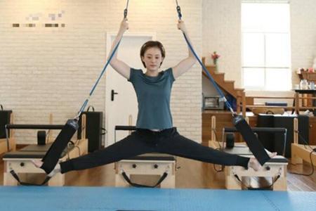 女星「吃不胖体质」怎么来的?原来是练瑜伽塑身