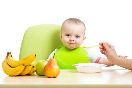 一个果冻差点要了孩子的性命,给宝宝喂食要避免哪些食物?
