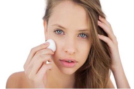 油性皮肤怎么改善?这样做简单又容易