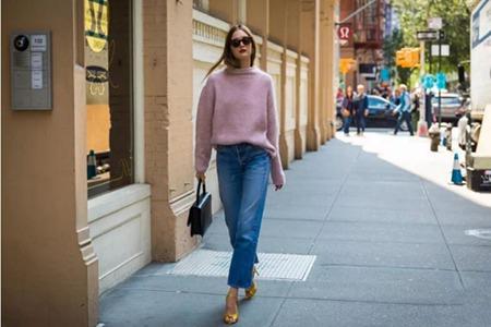 时髦进阶:穿好「毛衣」有诀窍,关键在衣领和衣角