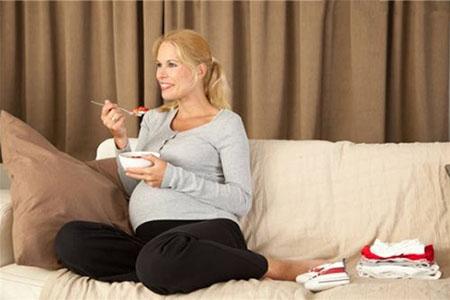孕晚期总是饿总是馋,但是宵夜不建议你多吃