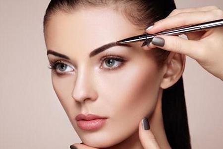 """美美的妆容""""活""""不过一上午,这几个化妆技巧让你美妆保持一整天"""