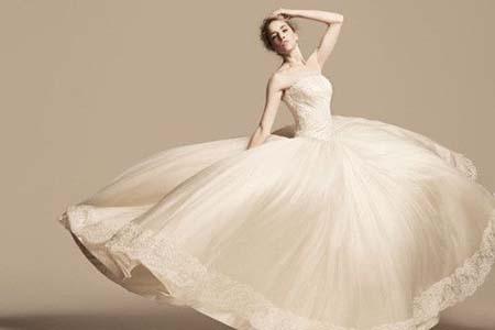 结婚买婚纱不实用,租婚纱三个技巧让你选到最心仪的