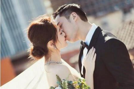 新婚的阿娇美颜无死角,娇小身材也能穿出气质感