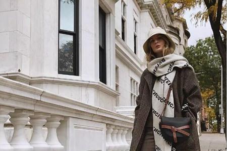 没男票的寒冬里,女人需要一条围巾来保暖