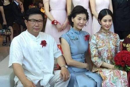 刘诗诗被妈妈调侃长相,网友:原来妈妈才是美人界大佬