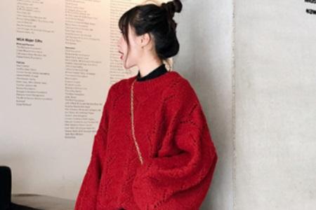 拒绝当春节的吉祥物,女性这身红装十足可爱