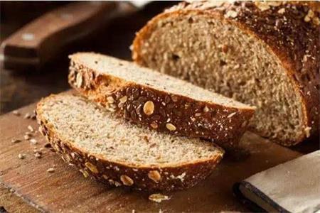 女生减肥的首选食物,杂粮面包的美味做法