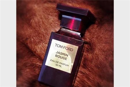 成熟女人必備香水,性感香味帶來卓越氣質