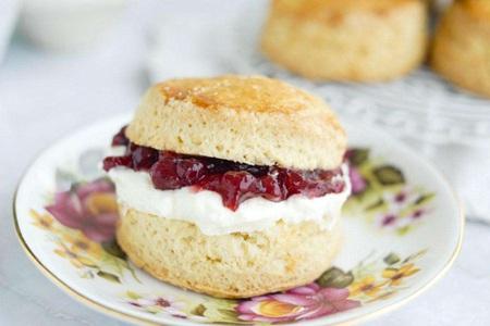 草莓司康的详细做法,享受优雅英式早餐