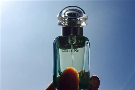 品牌香水中性迷人,尼罗河香水散发清泉味道