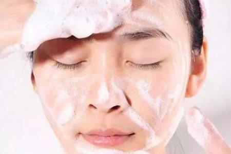 你的肌肤干又油,几个护肤步骤小妙招教给你