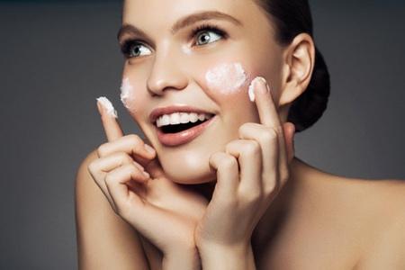 为什么护肤拯救不了你的脸,女孩如何有白净肌肤