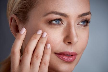 长痘、暗沉这些肌肤问题,原来都是因为错误的护肤方法
