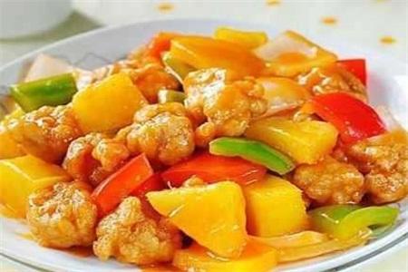 吃菠萝太扎嘴,做成菠萝炒肉,低脂又美味