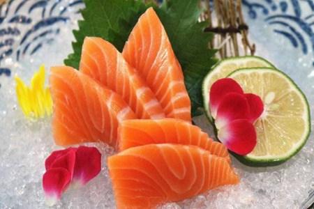 女生减肥也能吃出丰满胸部好身材,这三种海鲜最有效