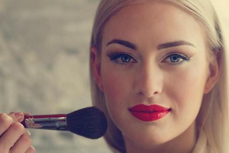 让女生化妆更精致的上妆技巧,彩妆需要这样画
