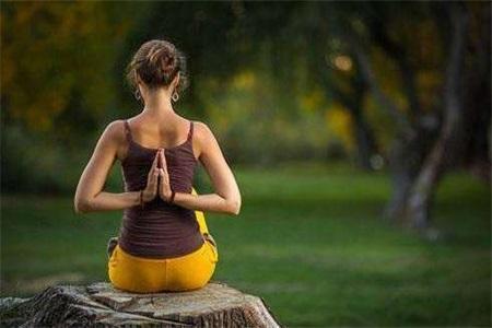 这组瑜伽动作可延缓女性衰老,但练习过程中应注意这些