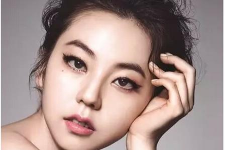 单眼皮女生的画眼妆方法,不用上眼皮贴也能有高级美