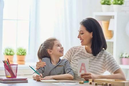 母亲奖励孩子的正确方法,轻松治好宝宝拖延症