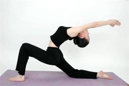 練習瑜伽的好處,讓肌肉拉伸,讓體態更優美