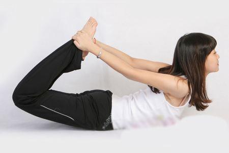 睡前减肥效果好,教你三个方法练出小蛮腰
