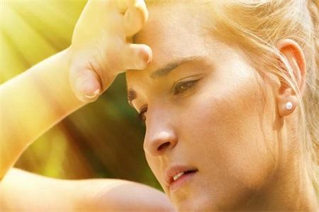 夏季皮肤出油怎么办,做好控油还需这三点