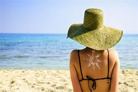 女性护肤要做好防晒,敏感肌要如何选好防晒霜