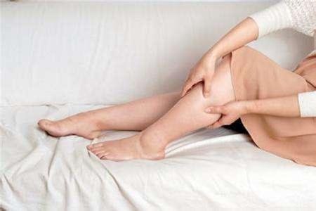 女生总是小腿水肿怎么办,吃这七种食物让你轻松变瘦