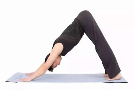 女性久坐腰痛怎么办?缓解腰部酸痛的瑜伽动作可以帮到你