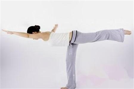 四组最减肥的瑜伽动作,简单易学让你立马减掉小肚子