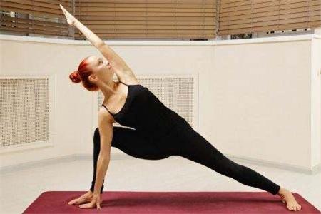 女性练好瘦腰大爆奖登录导航动作的三角式,立刻拥有小蛮腰