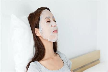 敷面膜对皮肤有什么好处?女性要知道这一点以免造成问题肌肤