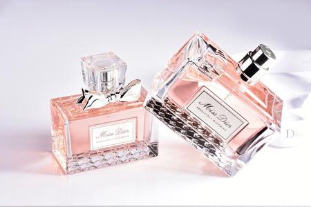 迪奥品牌的三款女士香水,法式优雅演绎高级女人香