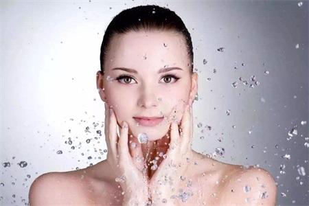 干性敏感肌肤怎么补水?油性皮肤补水要注意什么?