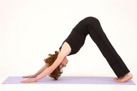 女性練好瑜伽體式,瘦身減肥輕松突破,氣質也會改變許多