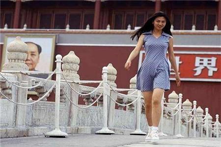 中国美女喜欢复古连衣裙 整个夏季魅力四射靠它