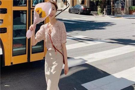 夏季泡泡袖的两种最优搭配技巧,展现女性魅力和美丽一体