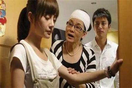 婆婆给宝宝穿别人的旧衣服,怎么和婆婆沟通这件事?