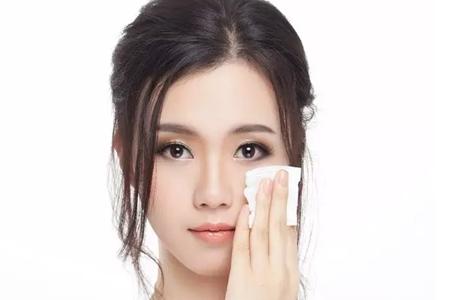 防晒霜、睫毛膏不同的卸妆方法,不懂清洁就是在毁肤